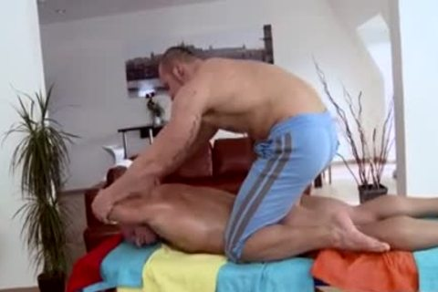 Muscle Daddy butthole sex And Massage