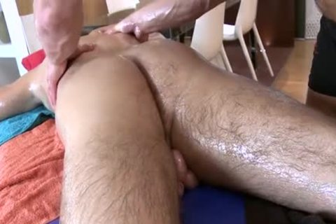 large lad Massage