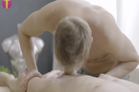 A special twink Oil Massage
