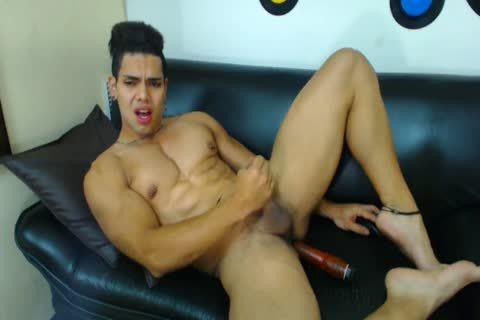 Muscle twink Latino Flexes And Jerks Off On web camera With dildo