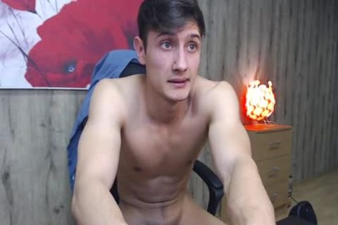 21yo Russian lad Eric Cums On His muscular Body